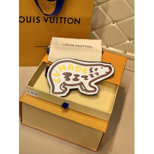Louis Vuitton Duck LV MADE Coin Purse LV04010043 Updated in 2020.08.27