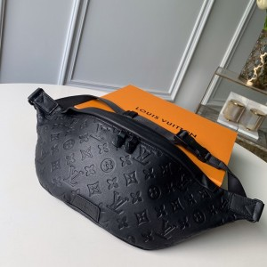 Louis Vuitton M44388 Discovery Bumbag LV04010069 Updated in 2020.08.27