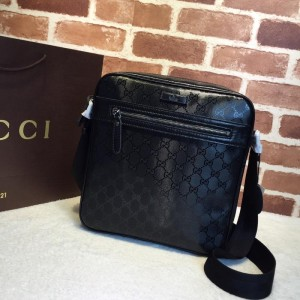 Gucci black glossy messenger bag GC06BM143