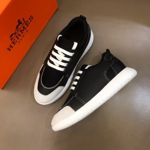 Hermes Sneakers Black and Black tongue with White sole MS021095 Updated in 2019.10.21