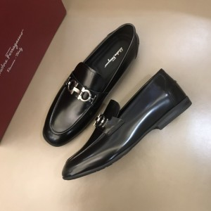 Salvatore Ferragamo Black Bright Leather Loafers MS021129 Updated in 2019.10.21