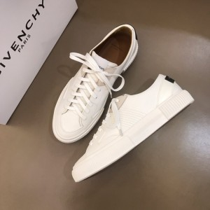 Givenchy sneakers White and White rubber sole with black heel MS021143 Updated in 2019.11.28