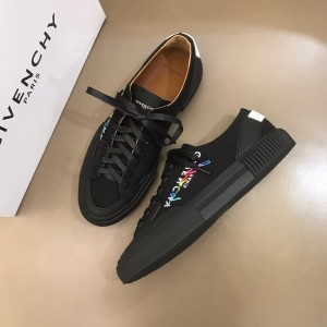 Givenchy sneakers black printed and black rubber sole with white heel MS021146 Updated in 2019.11.28