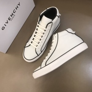 Givenchy High-top Sneakers White and black striped details with white sole MS021178 Updated in 2019.11.28