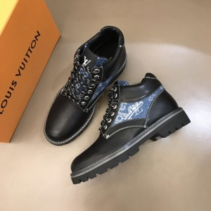 """LV Oberkampf Ankle Boot in black and signed with a cursive """"LV"""" MS021216 Updated in 2019.11.28"""