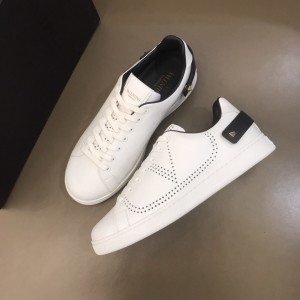 Valentino Sneakers White and VLOGO embroidery with white sole MS021335 Updated in 2019.11.28