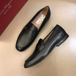 Salvatore Ferragamo Bright leather Loafers MS02973 Updated in 2019.04.19