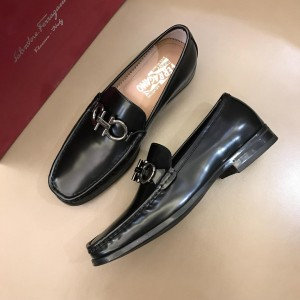Salvatore Ferragamo Black Bright leather Loafers With Sliver Buckle MS02975 Updated in 2019.04.19