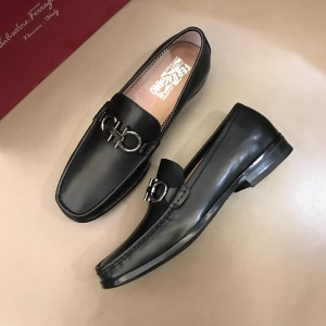Salvatore Ferragamo Black leather Loafers With Sliver Buckle MS02977 Updated in 2019.04.19
