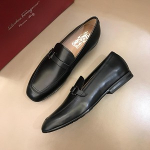 Salvatore Ferragamo Black leather Loafers MS02978 Updated in 2019.04.19