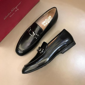 Salvatore Ferragamo Black Bright leather Loafers With Sliver Buckle MS02980 Updated in 2019.04.19