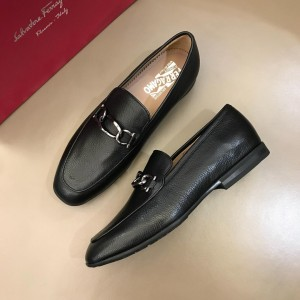 Salvatore Ferragamo Black leather Loafers With Sliver Buckle MS02981 Updated in 2019.04.19