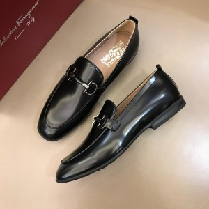 Salvatore Ferragamo Black Bright leather Loafers With Sliver Buckle MS02985 Updated in 2019.04.19