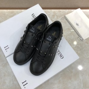 Valentino Sneakers Black and black stud ribbon detail with black sole MS071459 Updated in 2019.04.27