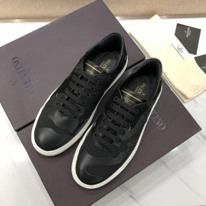 Valentino Sneakers Black and black suede details with white sole MS071468 Updated in 2019.04.27