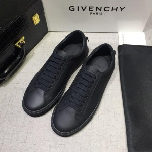 Givenchy sneakers Black and black rubber sole with black heel MS07454 Updated in 2019.04.27