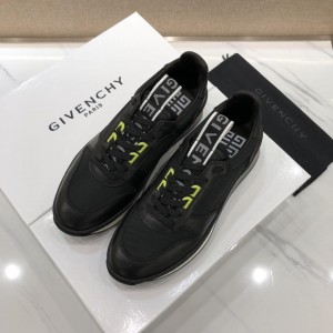 Givenchy sneakers Black and black shiny leather with black heel MS07462 Updated in 2019.04.27