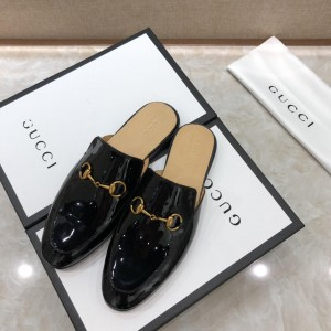 Gucci black bright leather slipper with golden button MS07513 Updated in 2019.04.27