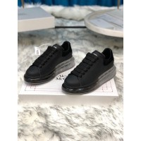 Alexander McQueen Sneaker Black and black suede heel with transparent sole MS100017 Updated in 2019.09.17